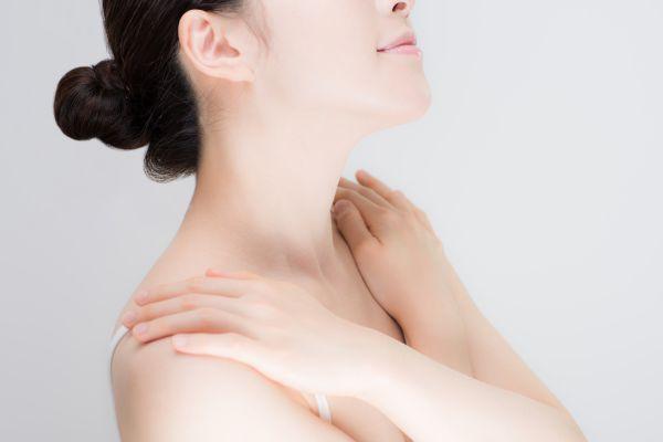 女性にも生える胸のムダ毛には医療脱毛